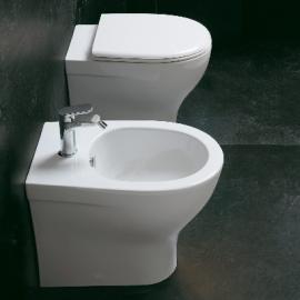wc con sedile copriwc e bidet filo parete Azzurra Pratika ceramica bianco